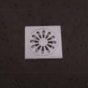 غطاء مصرف حمام مانع للروائح الكريهه DEODORANT FLOOR DRAIN ARGENT CRYSTAL 56105